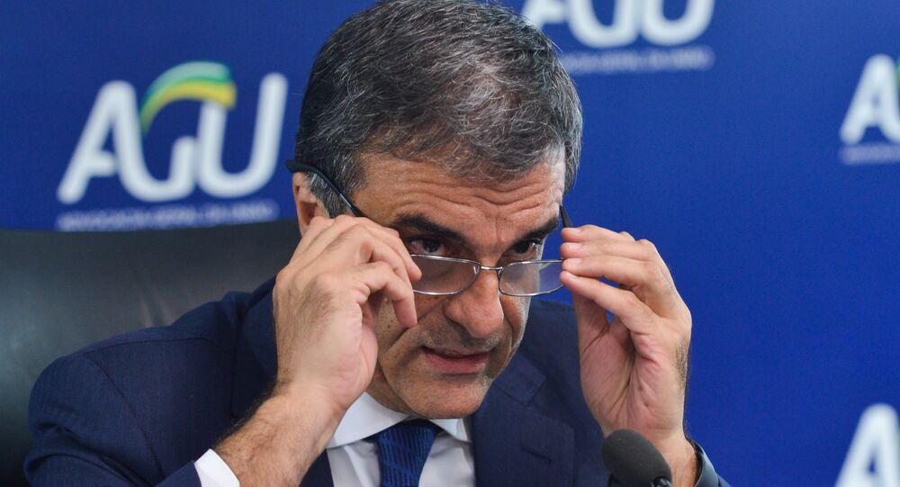 O advogado-geral da União, José Eduardo Cardozo, concede coletiva para esclarecer os principais pontos da ação no STF buscando a anulação do processo de impeachment contra a presidenta Dilma