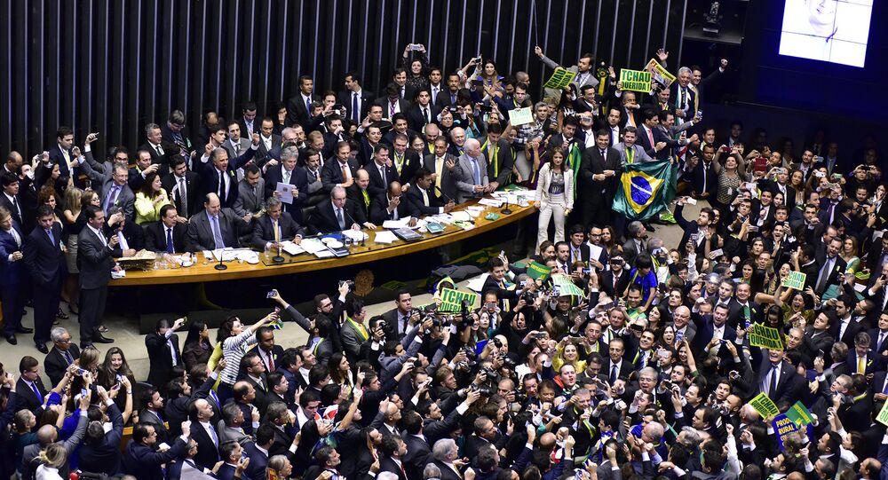 Impeachment é aprovado na Câmara dos Deputados