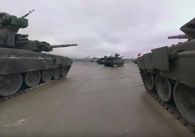 Vídeo panorâmico de 360° de tanque T-90: ensaio para o Desfile da Vitória