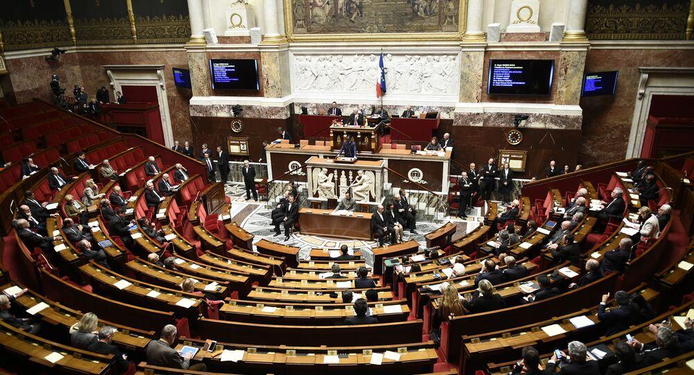 Assembleia Nacional em Paris, 3 de novembro, 2015