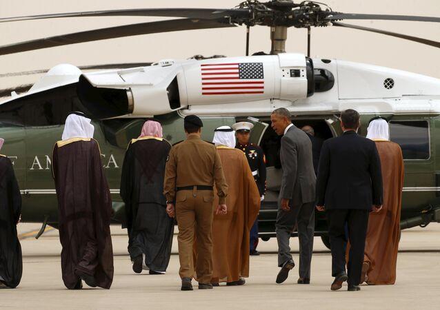 Presidente dos EUA Barack Obama no Aeroporto Internacional de King Khalid em Riad