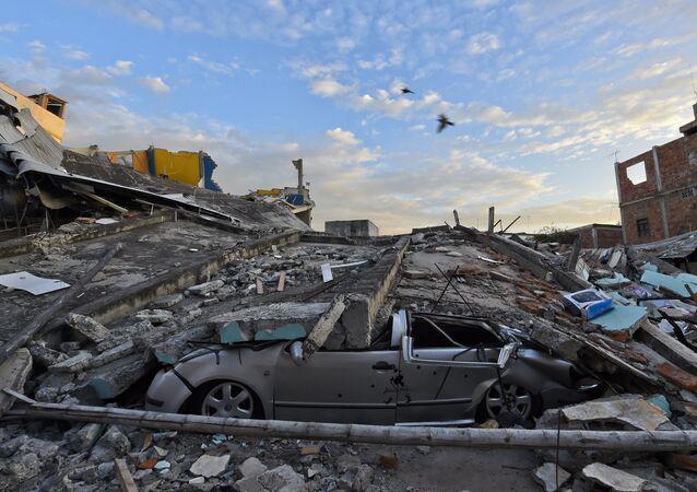 Consecuências de terremoto no Equador