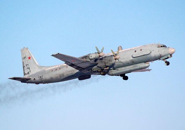 Avião russo Ilyushin Il-20, um dos aviões escoltados por caças da OTAN