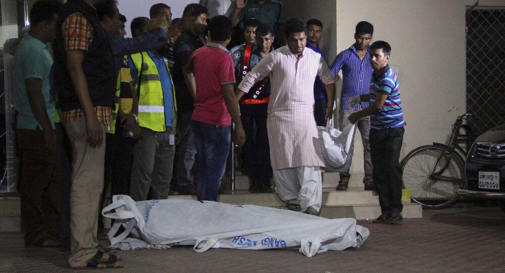 Xulhaz Mannan foi morto a facadas junto com um colega, por supostos extremistas islâmicos