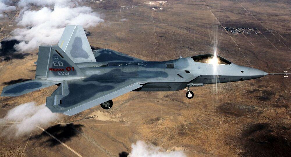 Caça F-22  da Força Aérea dos EUA
