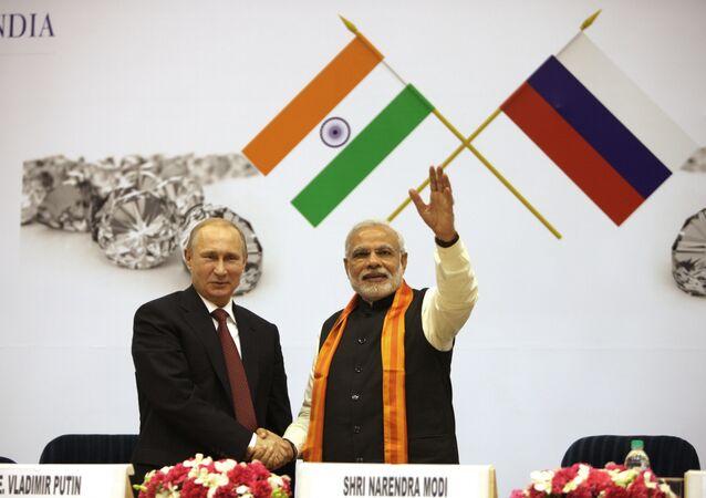 O presidente da Rússia Vladimir Putin e o primeiro-ministro da India Narendra Modi