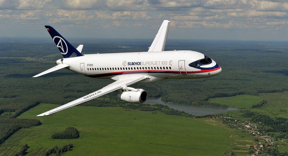 O avião Sukhoi Superjet 100