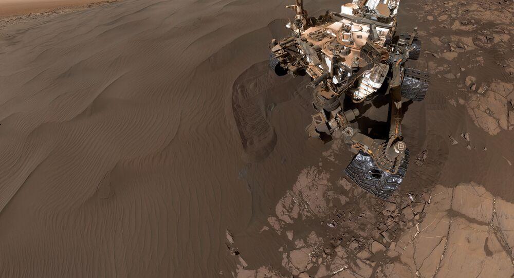 Selfie tirada pelo jipe-robô Curiosity em Marte