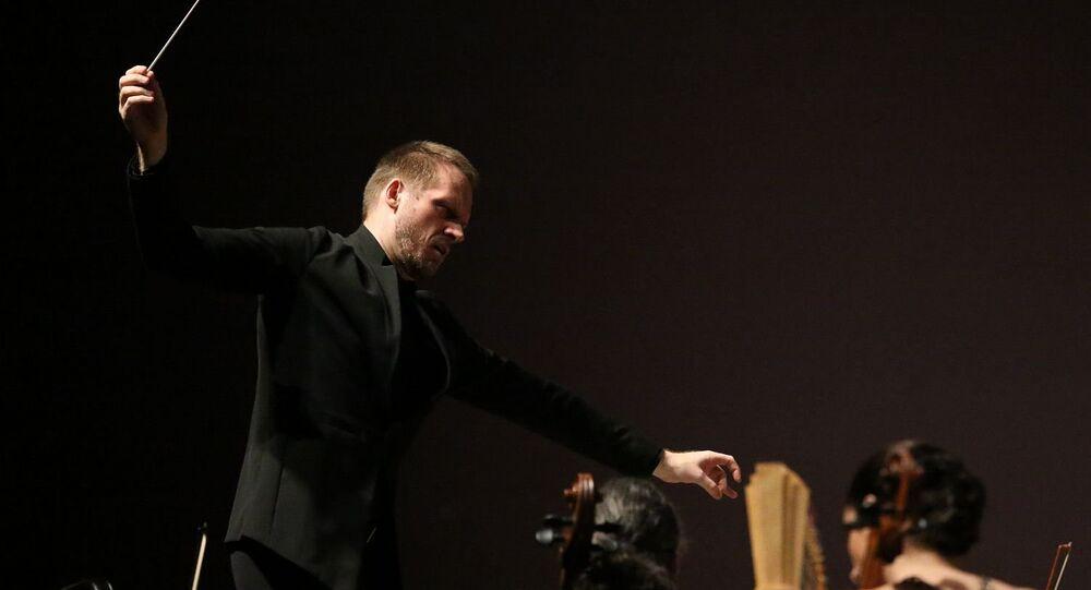 Tobias Volkmann, regente da Orquestra Sinfônica do Theatro Municipal do Rio de Janeiro