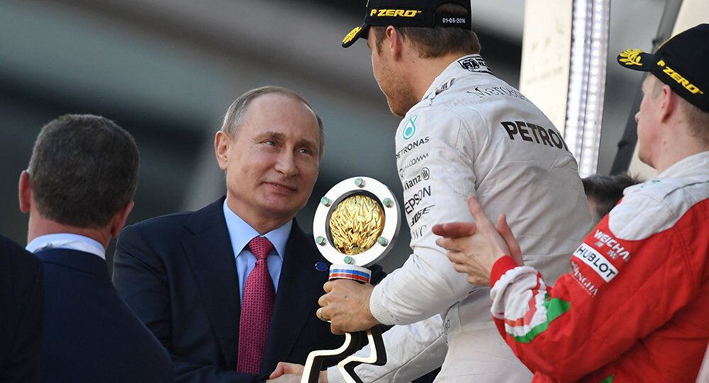 Vladimir Putin e Nico Rosberg no Grande Prêmio da Rússia de Fórmula 1