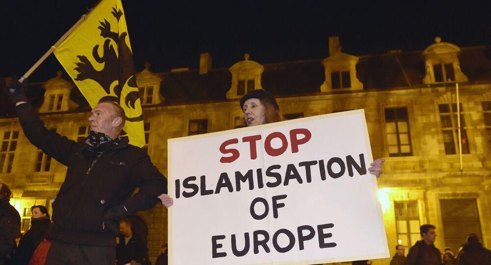 Protesto contra islamisação da Europa na Alemanha