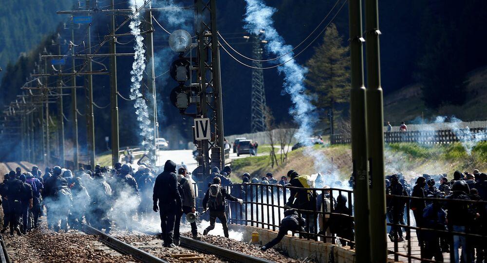 Protestos no Passo do Brennero entre Itália e Áustria