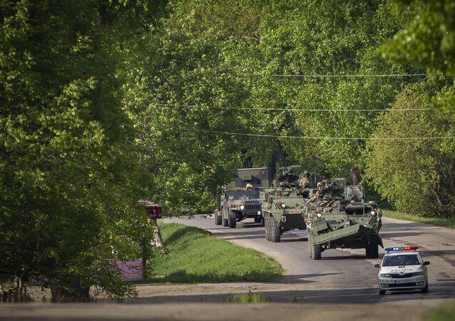 Veículos militares norte-americanos na Moldávia, 2016