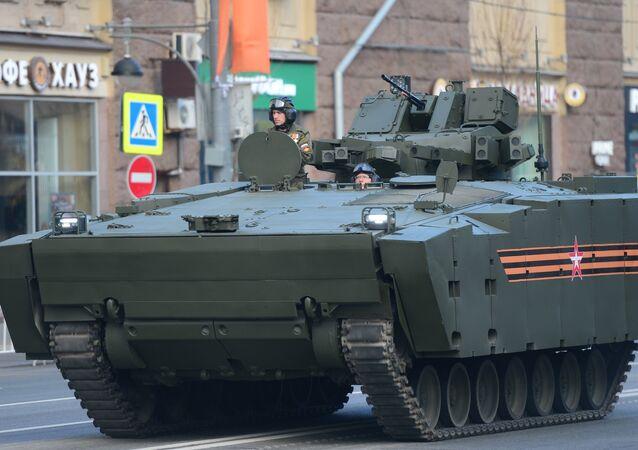 Kurganets-25 na Parada de Vitória de 9 maio de 2016