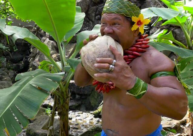 Como partir o coco? Simples!