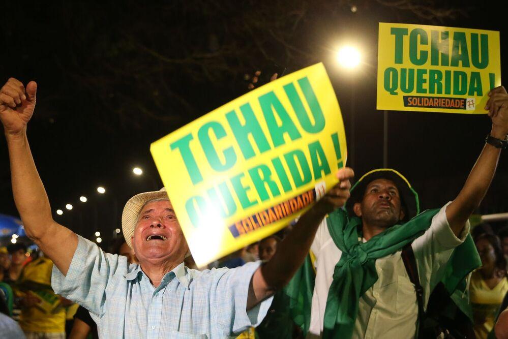 Manifestantes pró-impeachment na Esplanada dos Ministérios