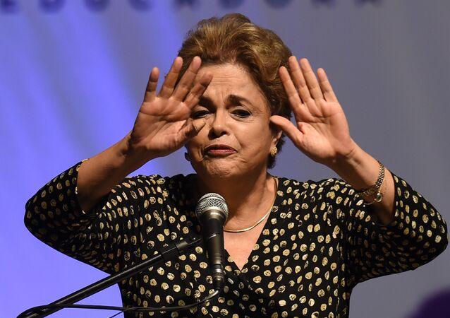 Presidente do Brasil, Dilma Rousseff, na 4 Conferência de Políticas Para as Mulheres, Brasília, Brasil, 10 de maio de 2016