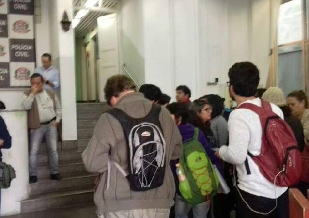 Polícia invade ocupações e prende estudantes sem ordem judicial em São Paulo