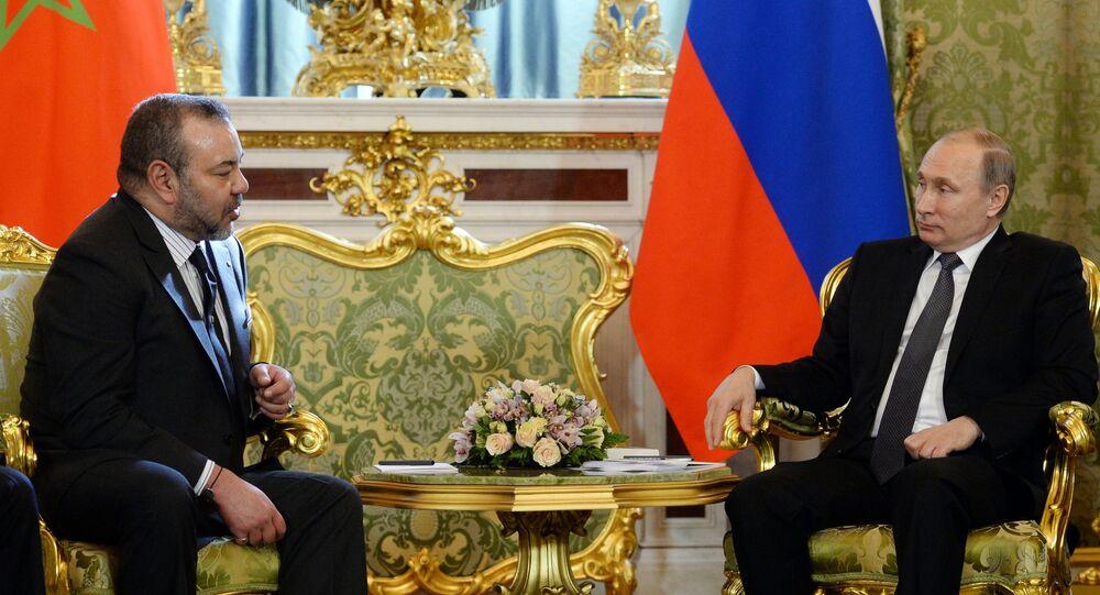 Presidente russo Vladimir Putin e Rei do Marrocos Maome VI em Kremlin em 15 de março, 2016