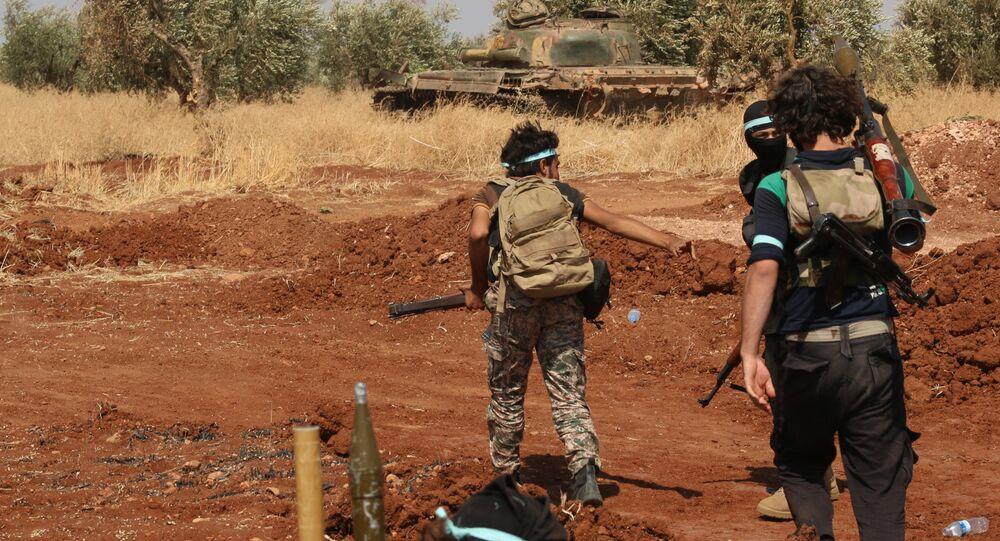 Rebeldes da Jaysh al-Islam, organização considerada terrorista pelos governos de Síria, Rússia, Irã e Egito