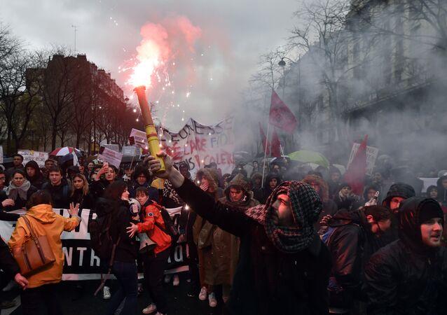 Protestos em Paris contra reforma trabalhista da França