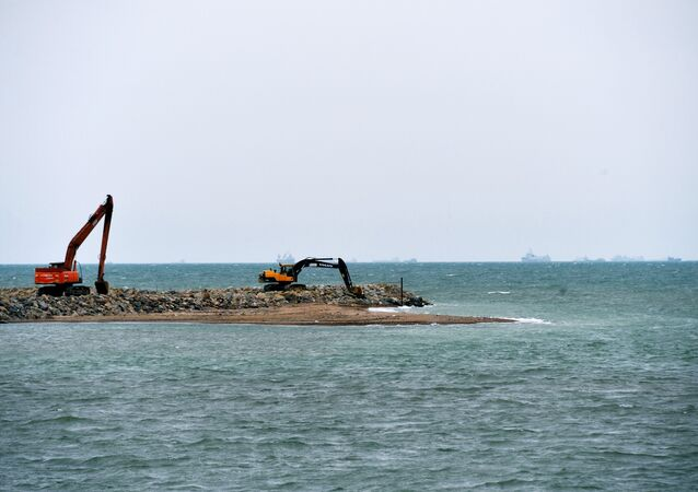 Construção da Ponte de Kerch da Rússia continental à Crimeia