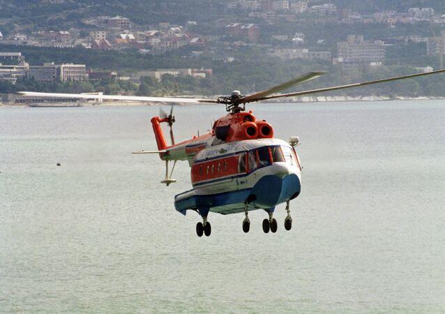 O helicóptero de combate antissubmarino Mi-14