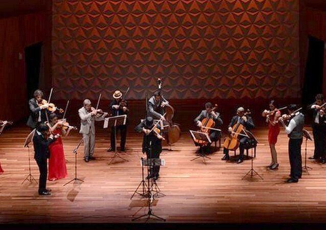 Orquestra Johann Sebastian Rio e o violinista Domenico Nordio