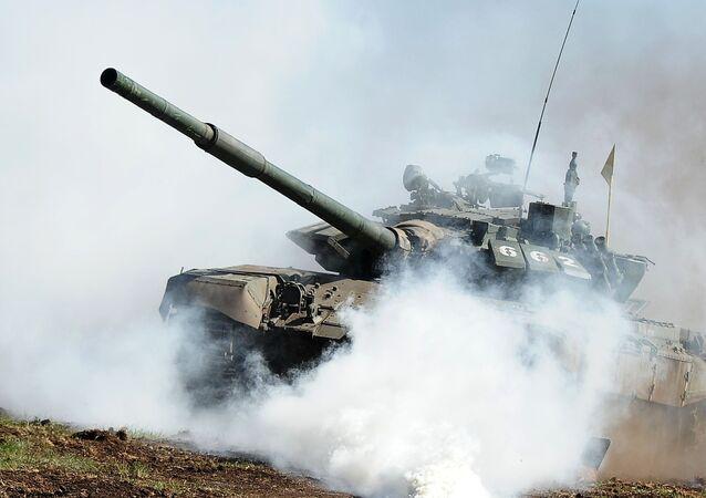 Tanque T-72 (foto de arquivo)