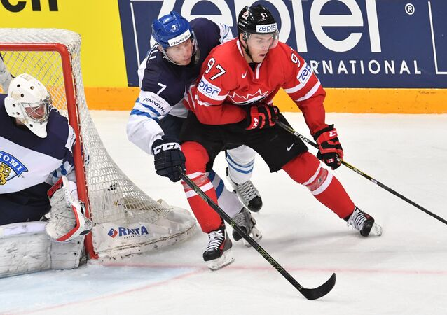 Canadá x Finlândia na final do Mundial de Hóquei no Gelo