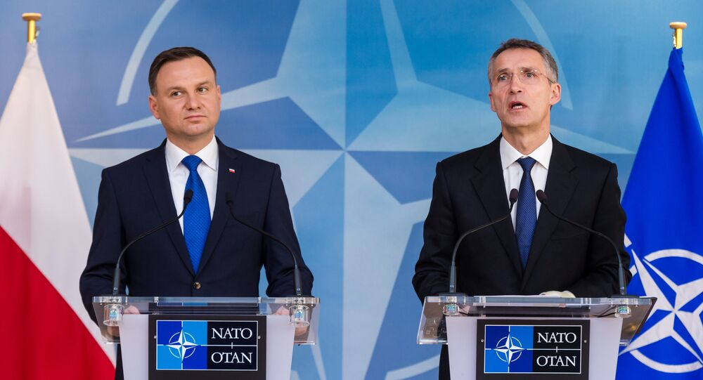 Jens Stoltenberg, o secretário geral da OTAN e Andrzej Duda, presidente da Polônia