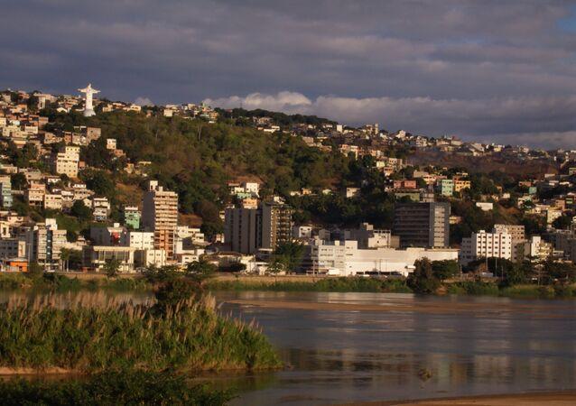 Vista sobre a cidade de Colatina, Espírito Santo, Brasil