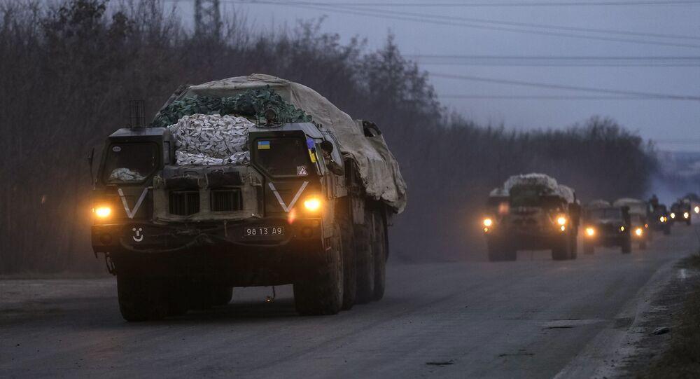 Lança-mísseis das forças armadas ucranianas nas proximidades de Kramatorsk, no leste da Ucrânia. Em 6 de março de 2015. REUTERS/Gleb Garanich