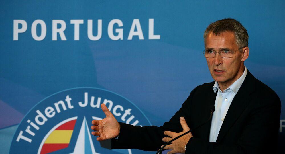 Jens Stoltenberg discursa depois das manobras Trident Juncture em 5 de novembro de 2015 em Lisboa