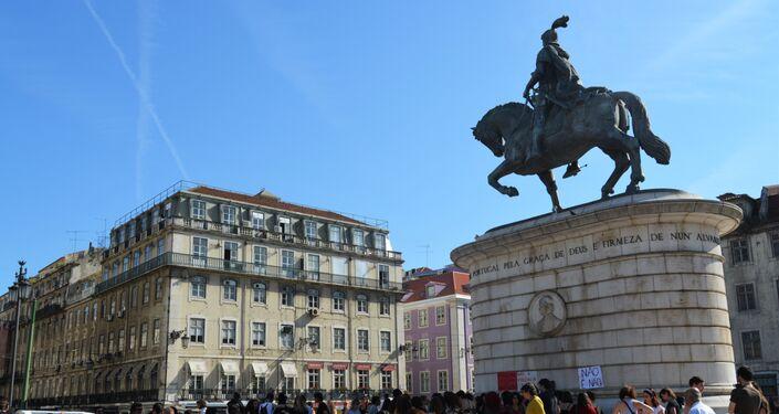Manifestações em Lisboa (Portugal) de apoio à vítima de estupro no Rio