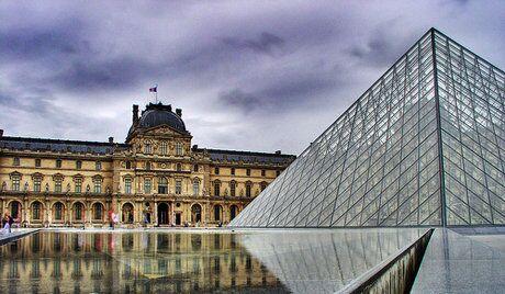 Dans les salles du Louvre sous le contrepoint russe
