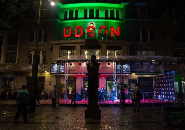 Cine Odeon completa 90 anos