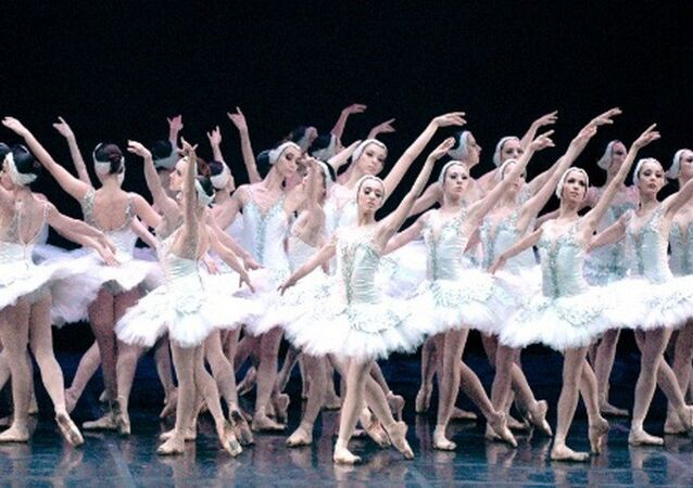 Ballet 'O Lago dos Cisnes' no Theatro Municipal do Rio