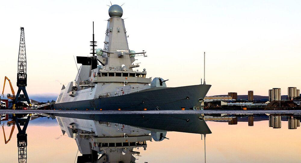 Destróier britânico Royal Navy Type 45