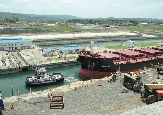 Teste final do canal do Panamá