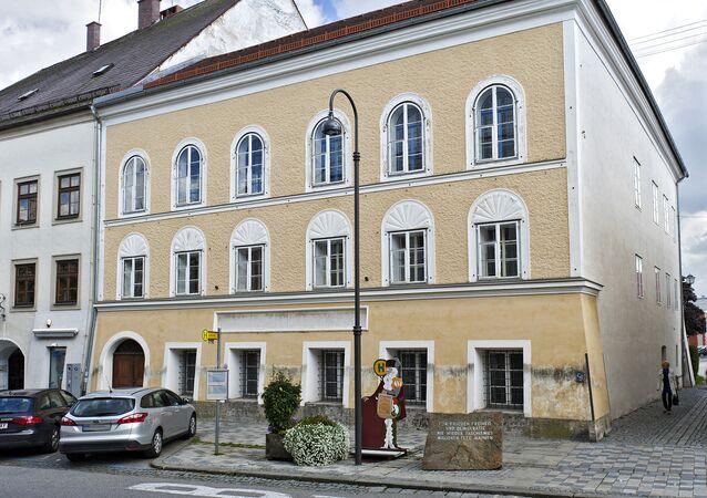 Casa em que nasceu Adolf Hitler