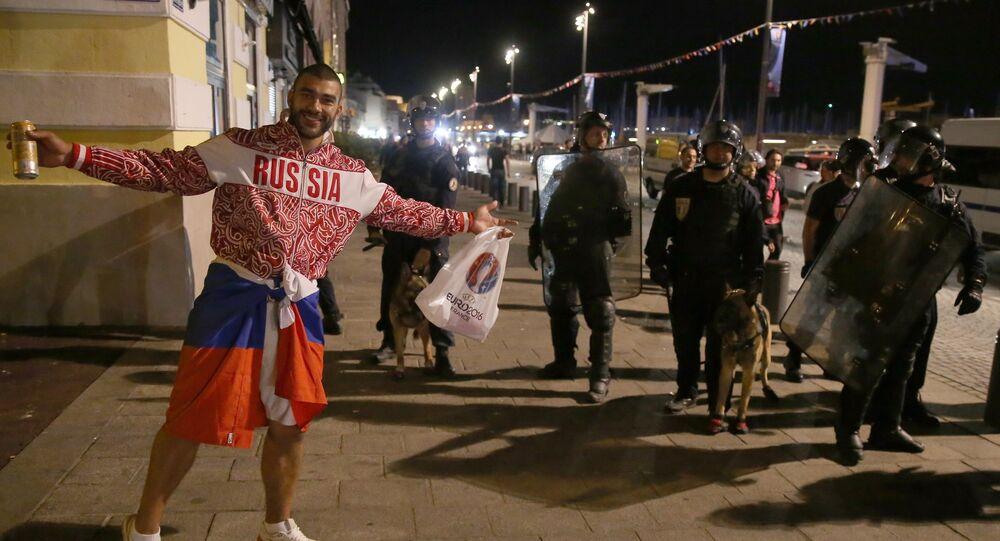 Fã russo em Marselha