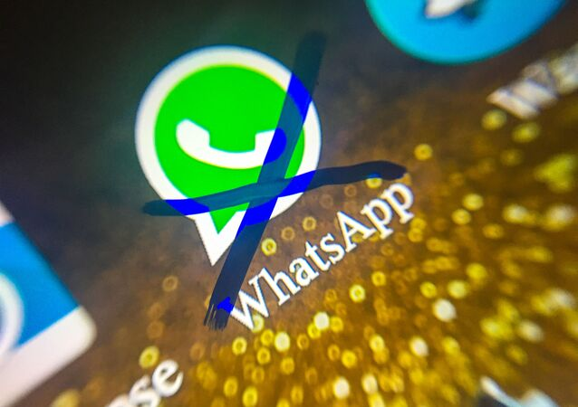 Juiz determina bloqueio do aplicativo WhatsApp