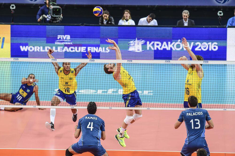 Brasil e Argentina se enfrentaram na Arena Carioca 1 pela segunda rodada da Liga Mundial de Vôlei