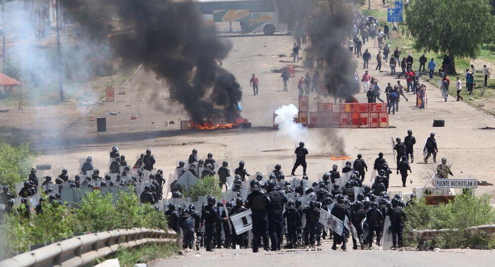 Protestos de professores na cidade mexicana de Nochixtlán