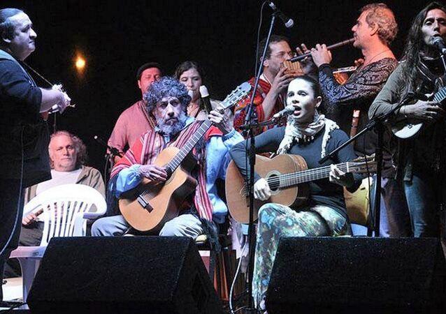 Músicos promovem 3º festival latino-americano em Angra