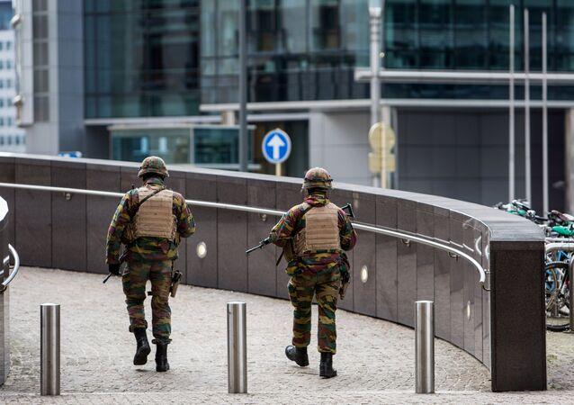 Um centro comercial de Bruxelas foi evacuado devido a uma ameaça de bomba