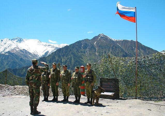 Posto de controle fronteiriço na povoação de Khushet, República de Daguestão, Rússia (foto de arquivo)