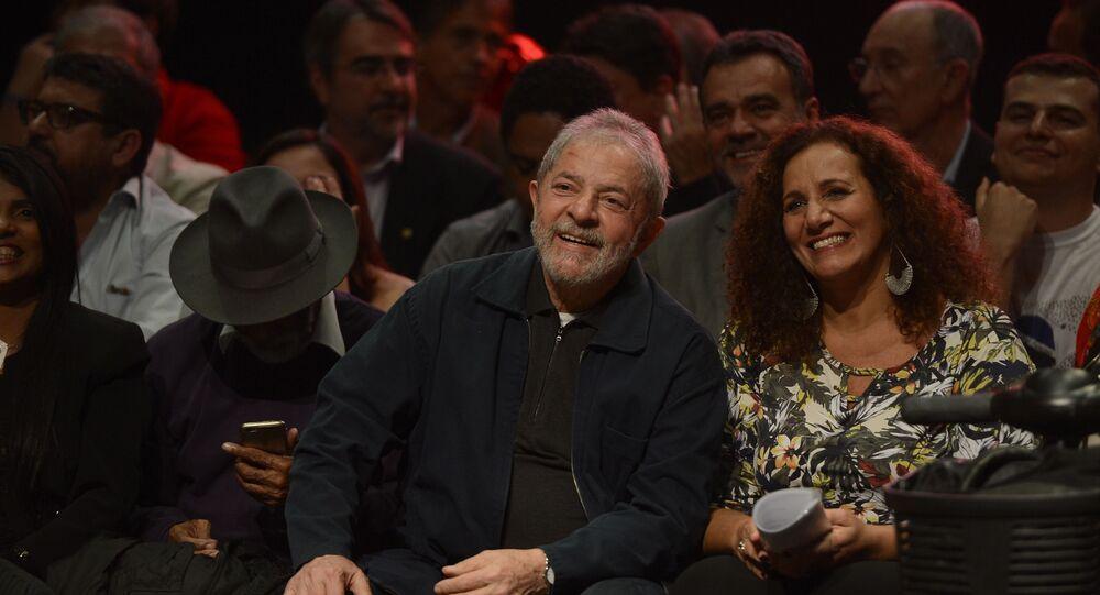 Ao lado de Lula, Jandira Feghali lança pré-candidatura à Prefeitura do Rio