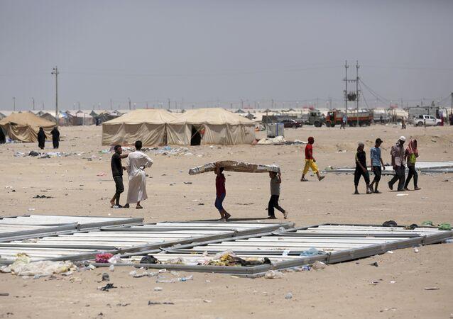 Mais uma foto do campo de refugiados internos da cidade de Fallujah, tomada em 25 de junho de 2016. As forças governamentais do Iraque pediram os moradores de Fallujah para saírem da cidade antes de realizar uma ofensiva contra o Daesh
